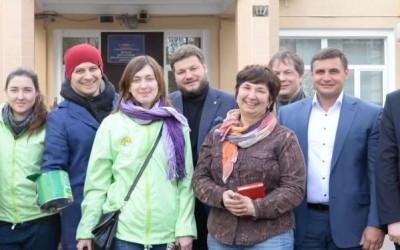 Александр Антоненко совместно с группой волонтеров Добровольной Народной Дружины посетил Московский дом-интернат для детей-инвалидов №21