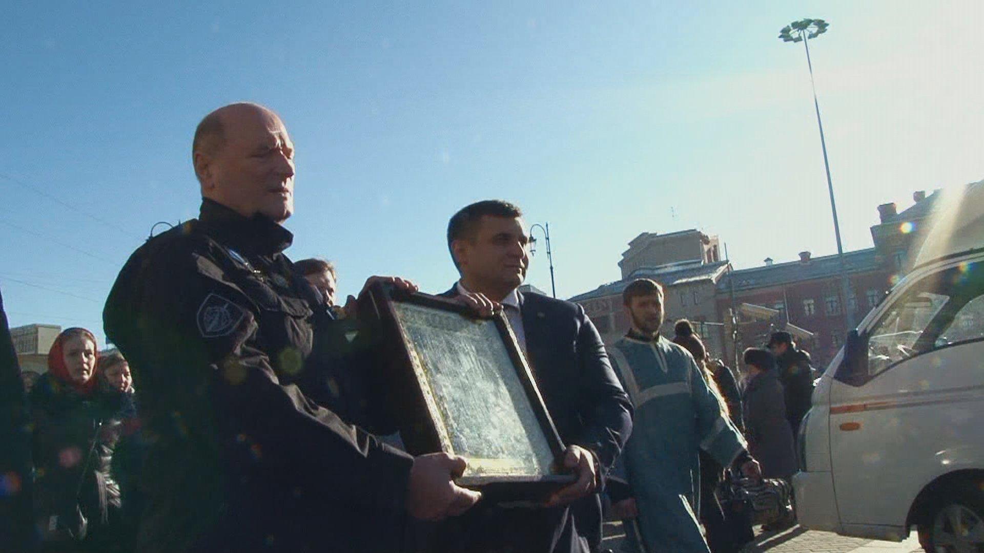 Крестный ход с молитвой о мире по вокзалам Москвы