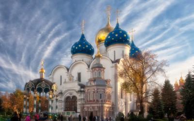 Подопечные фонда «Защитники счастья» посетили Троице-Сергиеву Лавру